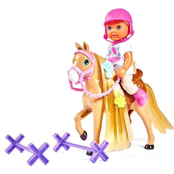 Évi Love: baba lóval - 3. Kép