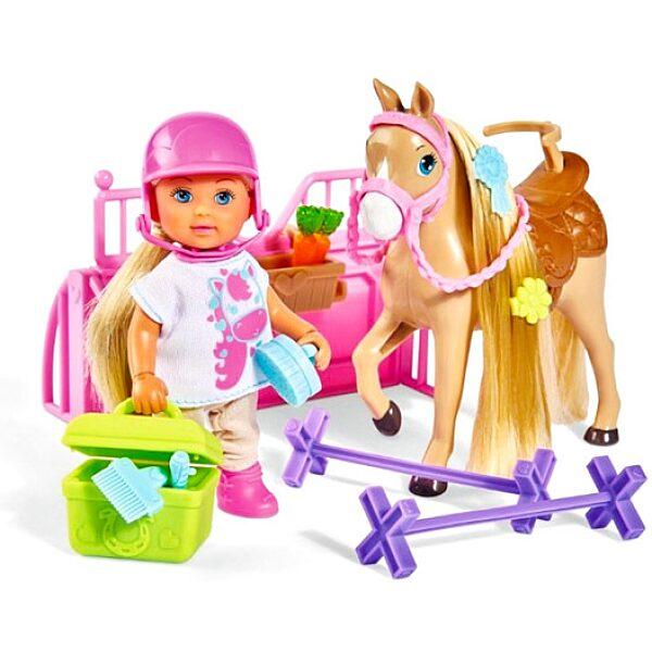 Évi Love: baba lóval - 1. Kép