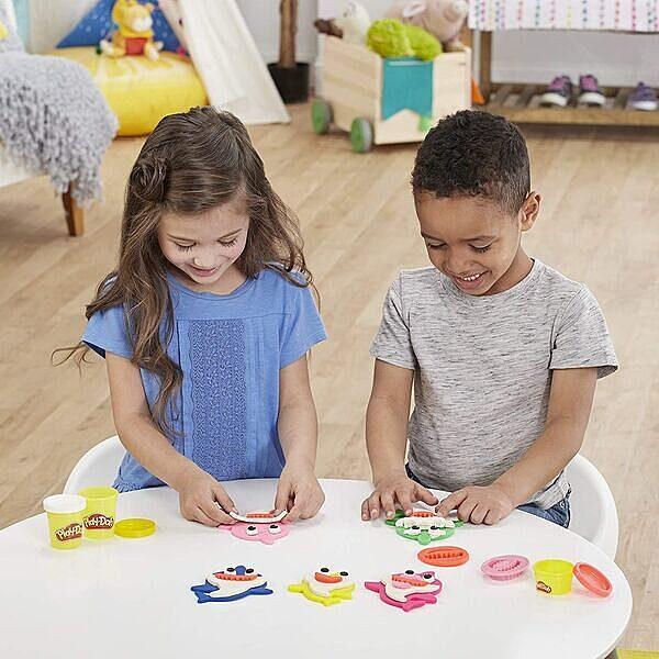 Play-Doh: Baby Shark gyurma szett - 3. Kép