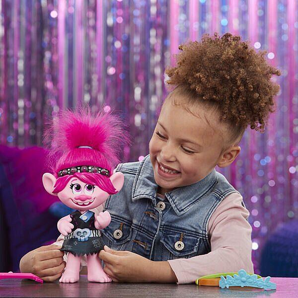 Trollok a világ körül: Pop to Rock éneklő Poppy baba - 3. Kép